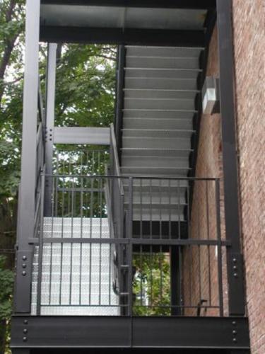Galvanized diamond plate steel staircase