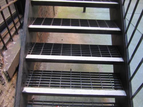 grating steps